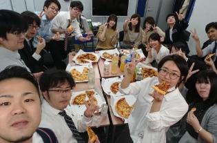 [レクリエーション]毎月恒例のピザパーティー